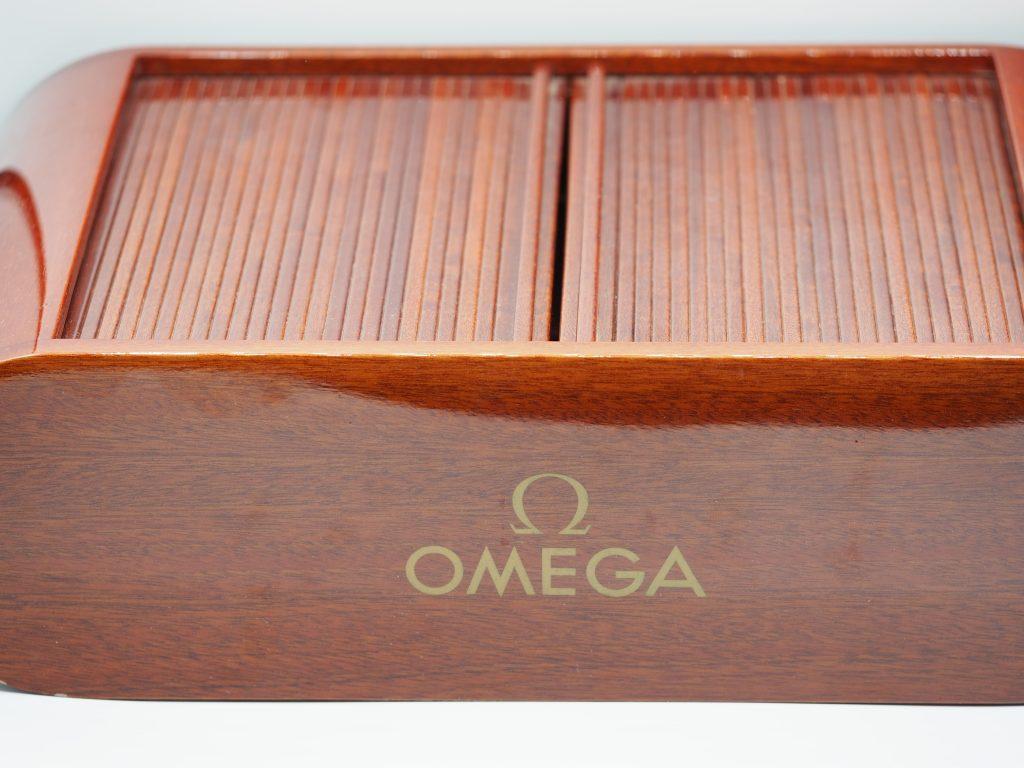 Omega Uhrenbox für 8 Uhren, edel in Mahagoni-Optik