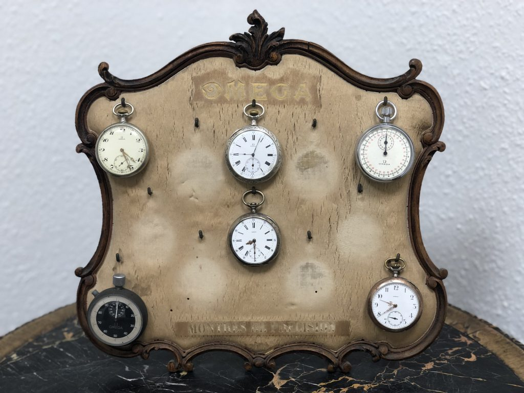 Omega Breveté SGDG Taschenuhrenständer für Frankreich, Jahr ca.1900