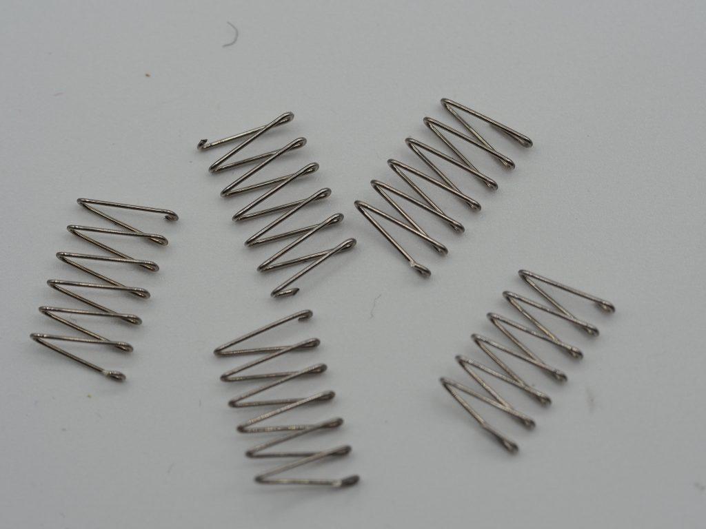 Für Omega 7077-Armband 5Stück expandable springs/Federn