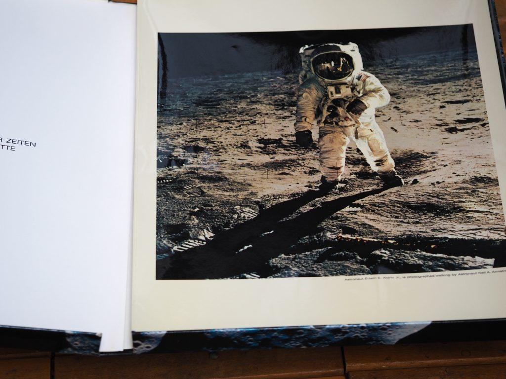 Omega Crater Box Speedmaster, Bildermappe von der Mondlandung 1969, in deutsch